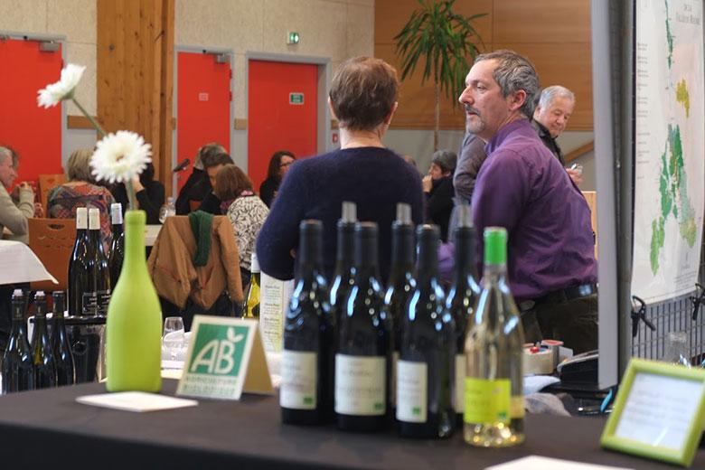 ambiance au salon des vins Vinotours